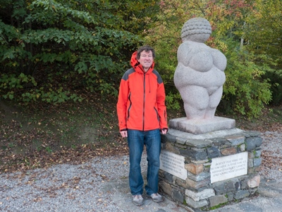 Willendorf-the memorial statue and Vít Lang